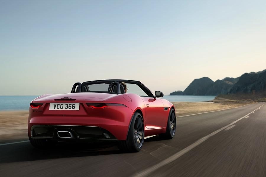 Jaguar F-Type auf der Straße